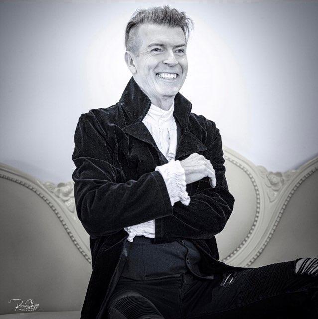 David Bowie Look Alike