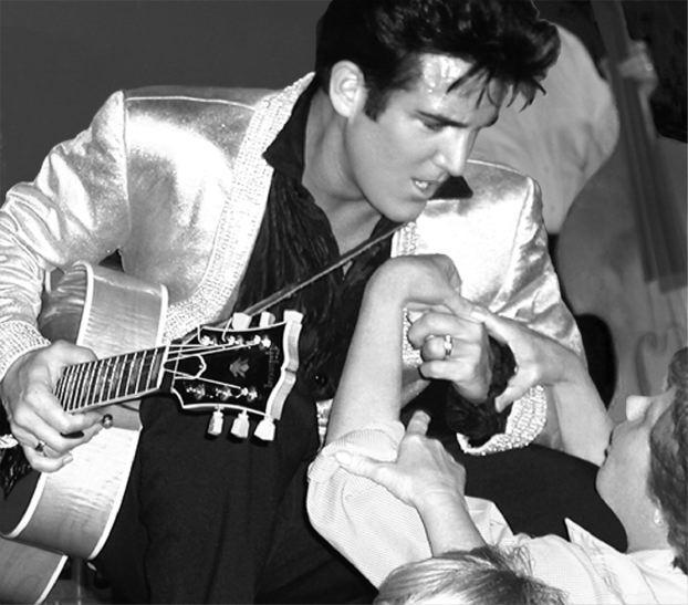 elvis-with-fans.scott-bruce.la9260465355