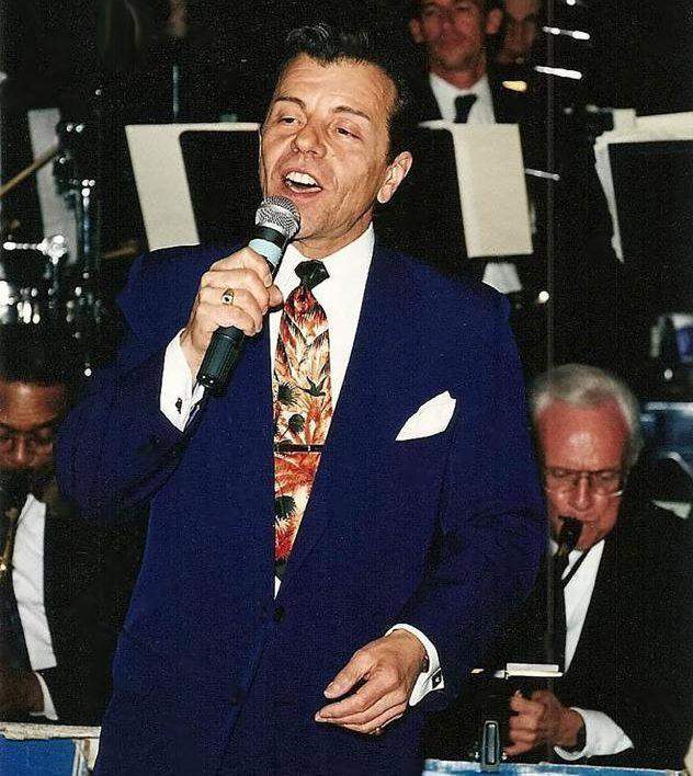 Frank Sinatra Look Alike