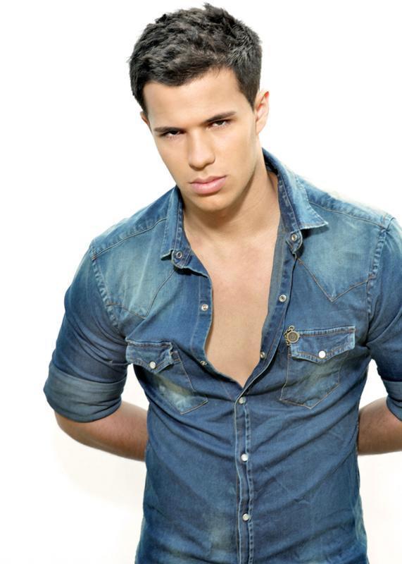 Taylor Lautner - Mirro...