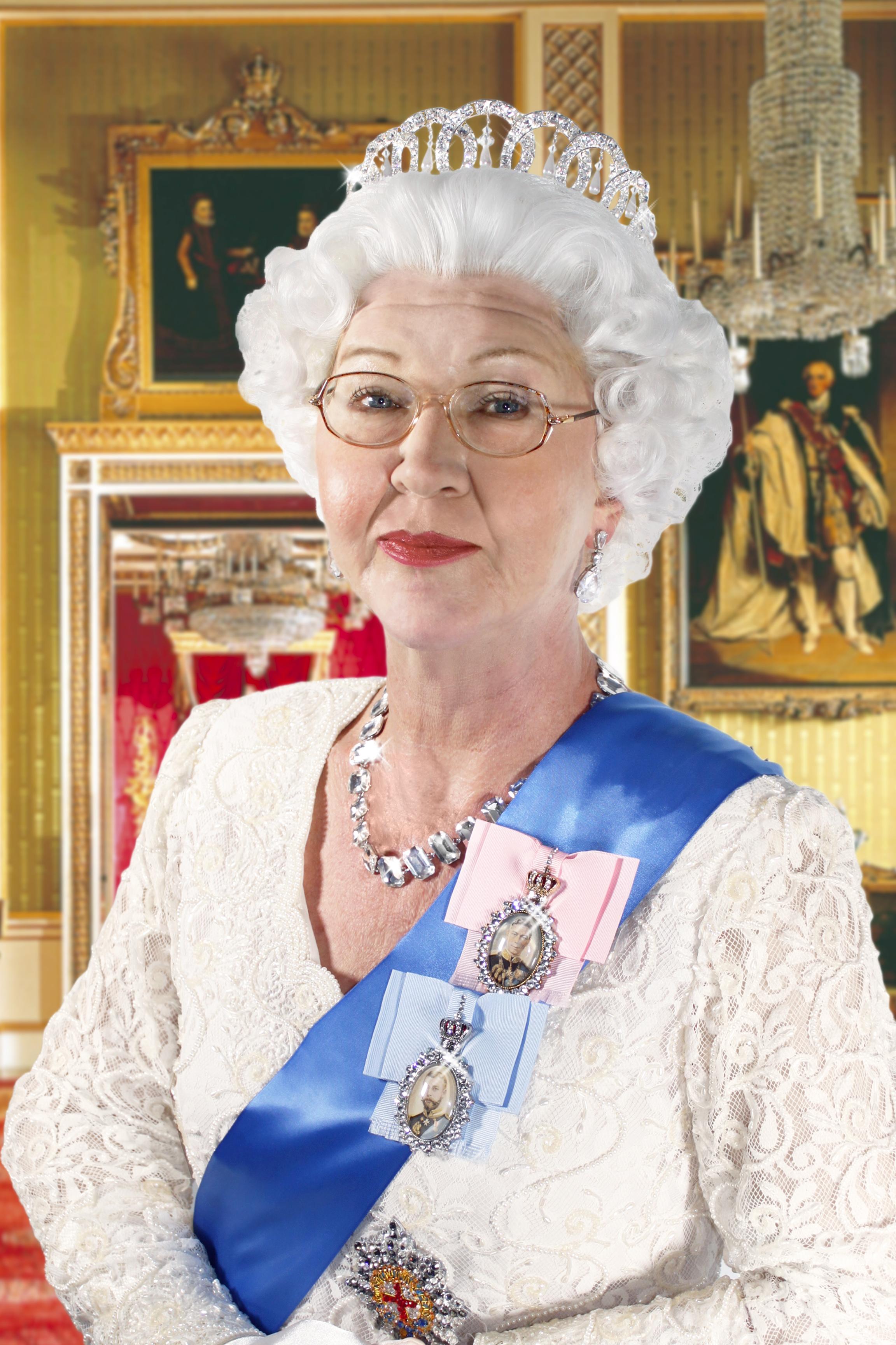 Queen Elizabeth Ll Mirror Images